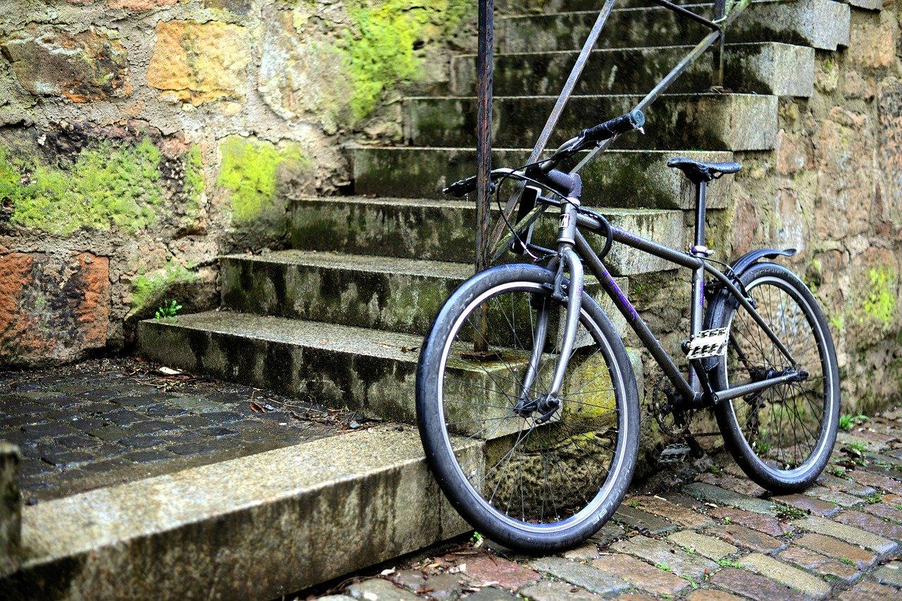 【軽量でコンパクト】折りたたみ自転車のおすすめモデルは?